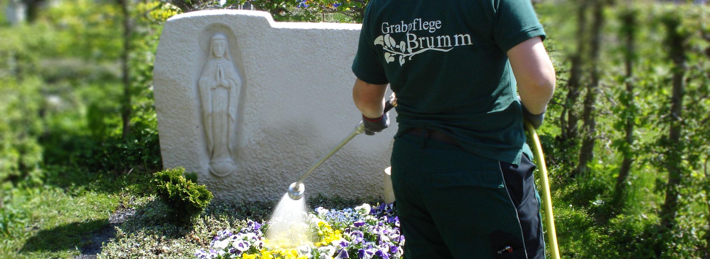 Gießdiesnt Münchener Friedhöfe Grabpflege Brumm Bayern
