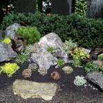 Alpinum Sondergrabanlage mit Felsen Gestaltung